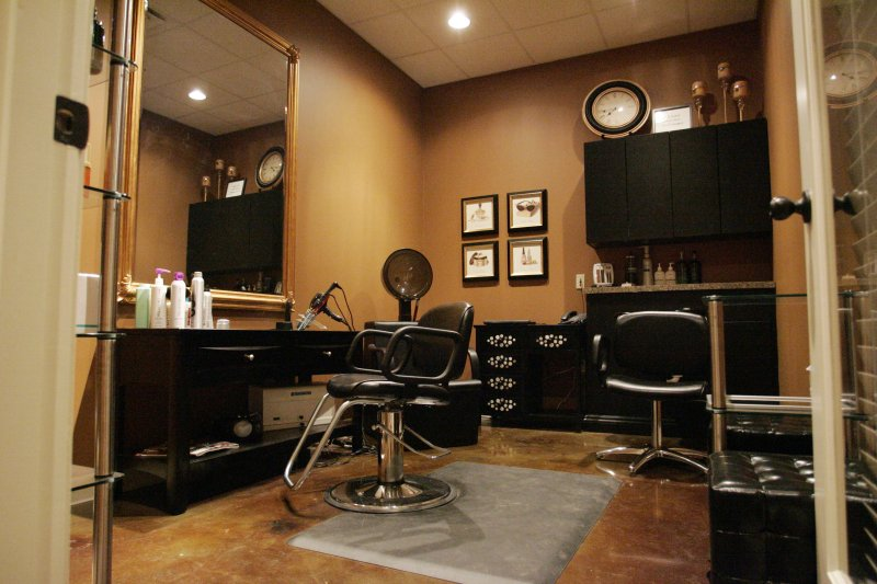 Contact sun valley salon suites for Address beauty salon